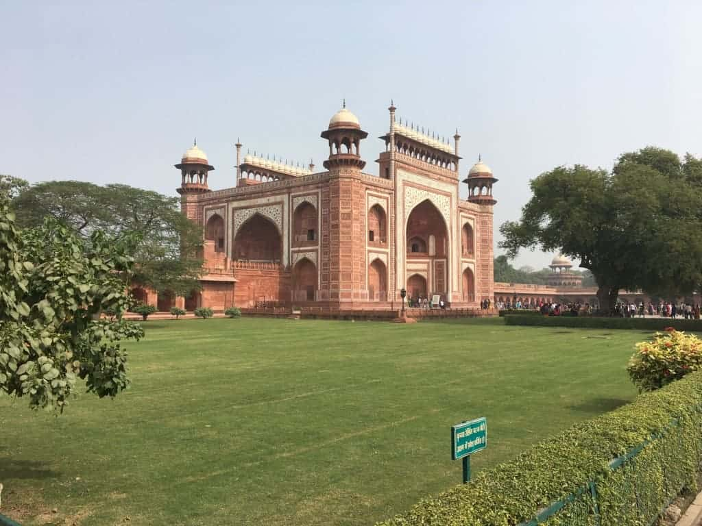 tajmahal_entry_gate